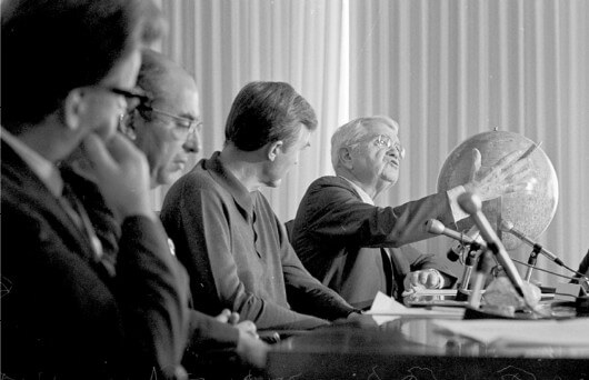 Harold Urey speaks at a January 1971 press conference